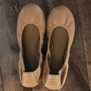 Tory Burch Leather Flats- Tan- Size 8.5